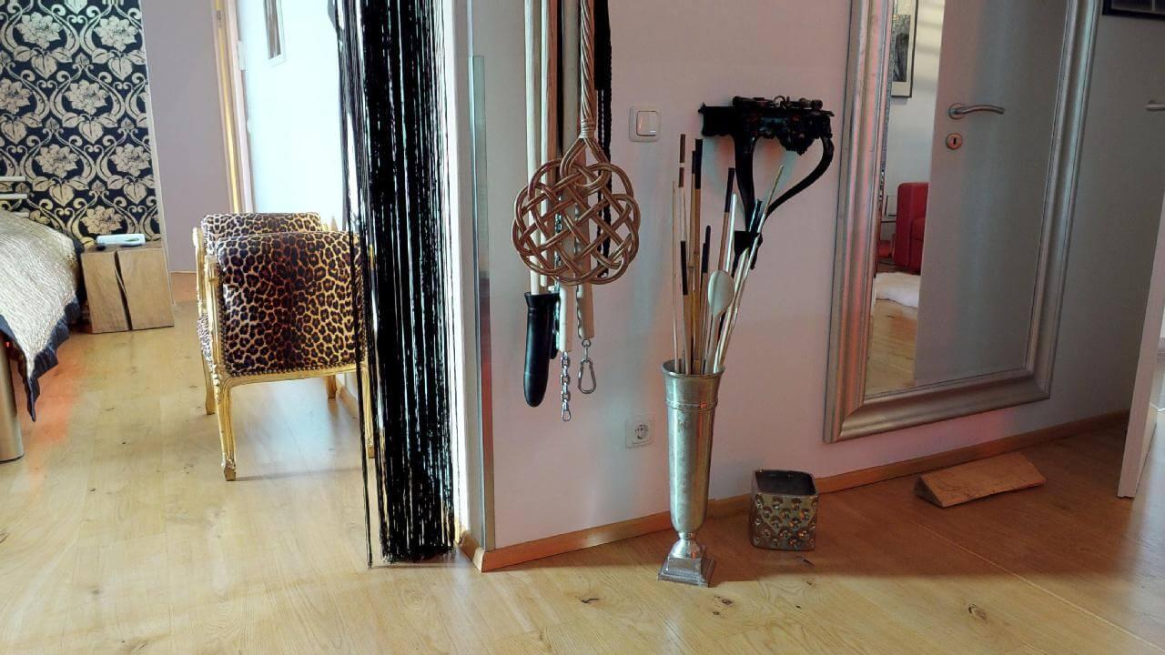Schlag & Peitschinstrumente für die Züchtigung