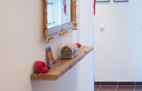 Barockspiegel im Eingangsbereich